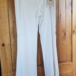 Ivanka trump white slacks